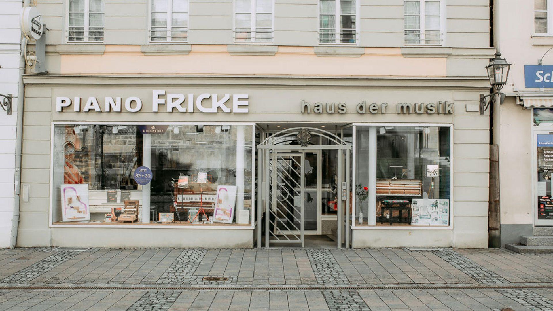 Einkaufen-in-Ansbach-Piano-Fricke